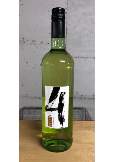 Cuvee 4 - vier Weinsorten nach den Kindern der Familie Gruber aus Eschenau: Elias, Lea, Lotta und Mika.