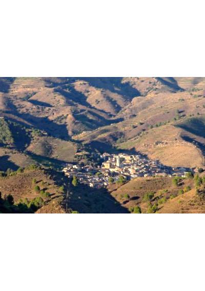 Porrera liegt inmitten einer kargen Hügellandschaft im Priorat